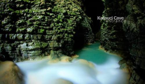 Weekend Asyik – Cave Tubing Kalisuci, Gunungkidul, Yogyakarta